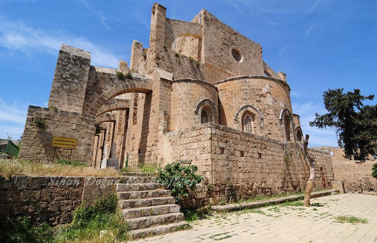 Собор Св.Петра и Павла — Мечеть Синан Паши