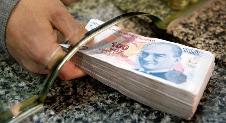 Девальвация турецкой лиры и нестабильная экономика