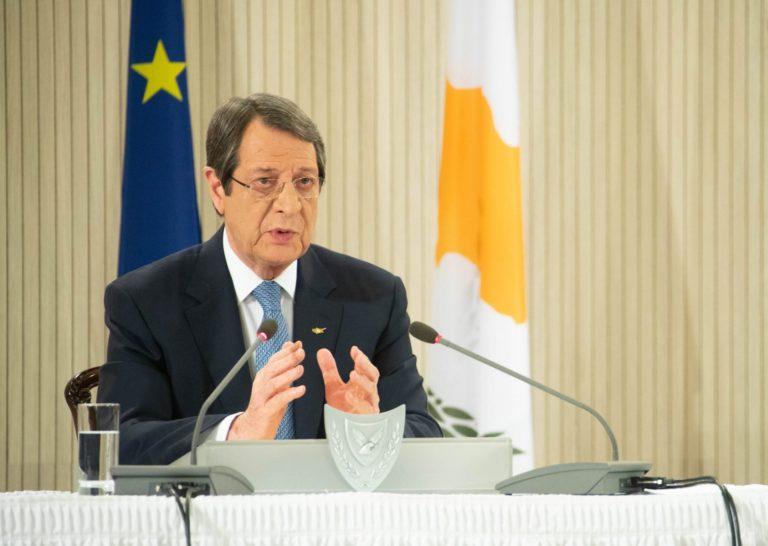 Никос Анастасиадис обязуется возобновить переговоры