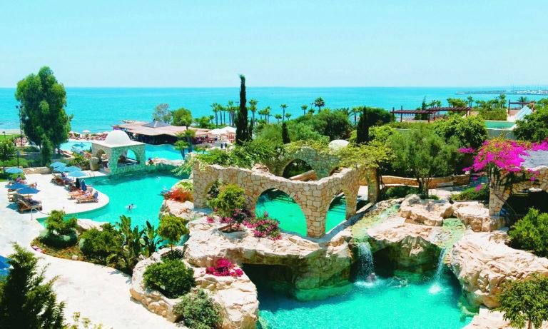 Российские туристы с 1 апреля смогут посещать Республику Кипр